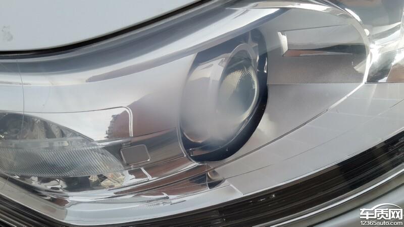 东风雪铁龙c5氙气大灯右前大灯灯罩有明显白斑