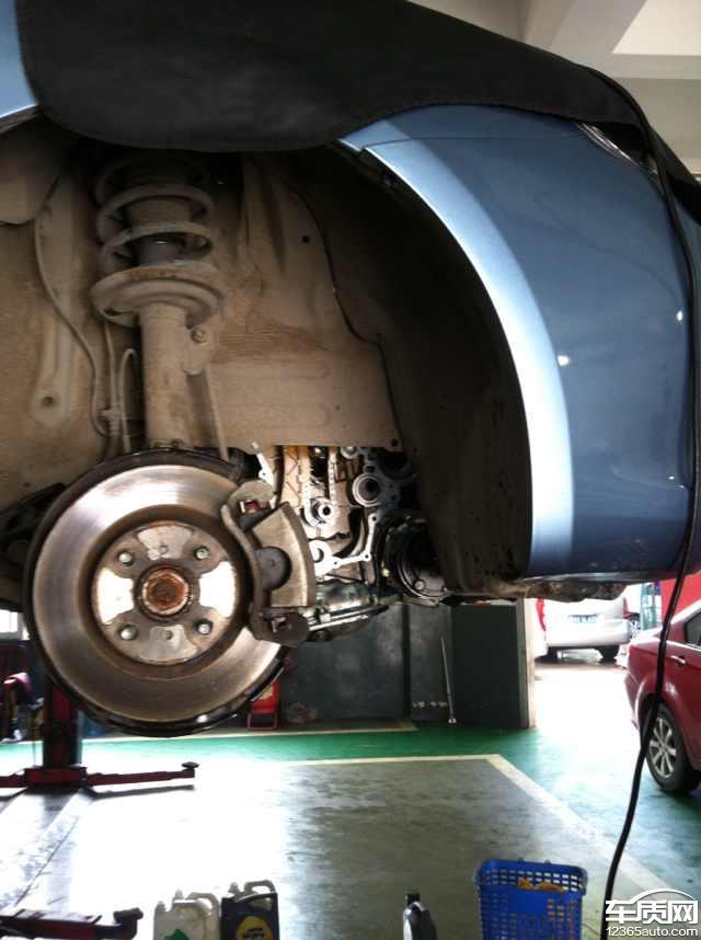 长城c30发动机漏不好导致发动机坏比亚迪S6音质后排机油图片