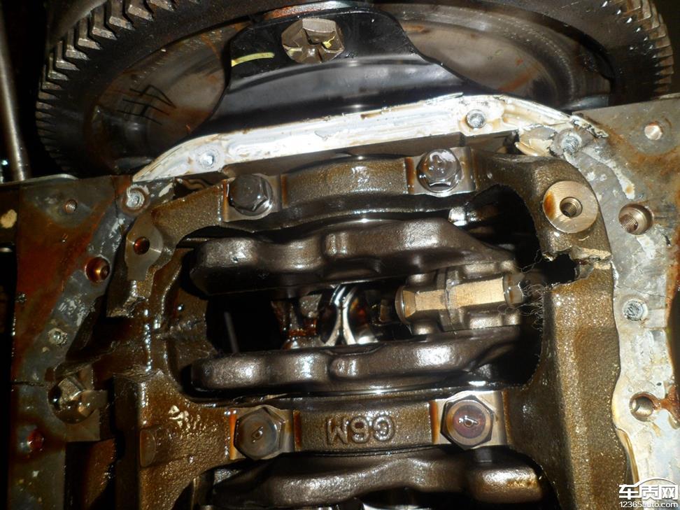 比亚迪s6发动机连杆断了