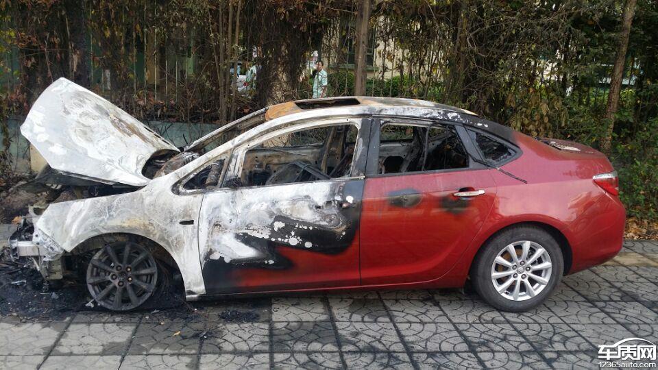 车辆按照别克车辆使用说明书使用并在质保期内自燃并