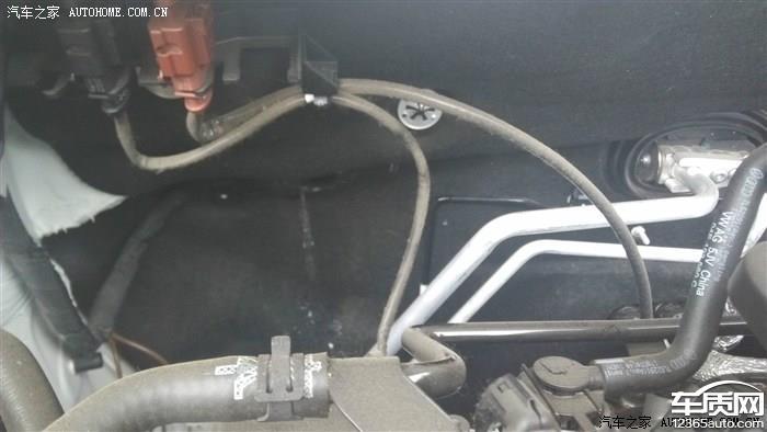 上海大众桑塔纳发动机机舱漏水