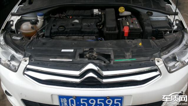 东风雪铁龙爱丽舍刹车盘生锈发动机漏油高清图片