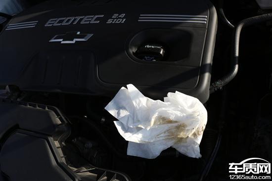 我是2014年5月1日在内蒙古泰莱汽车购买的2014款雪佛兰2.4L豪华版轿车,10月国庆期间汽车之家论坛有网友发现2.4L的车存在高压泵漏油的现象,我随即检查了我的车,发现存在漏油现象,去离我最近的4S店检查,确认存在渗漏现象,要帮我更换高压泵垫,并帮我订货。11月6日咨询4S店答复订货未到需要继续等待,随机拨打400热线,400热线协助联系答复尽快为我调货安装,并告知我一周应该可以到货解决,这又10天过去了,还是没有任何消息。我只好投诉看看,能不能帮我解决?