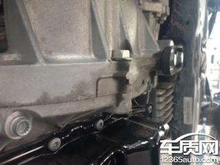上海大众途观发动机漏油属于发动机缺陷高清图片