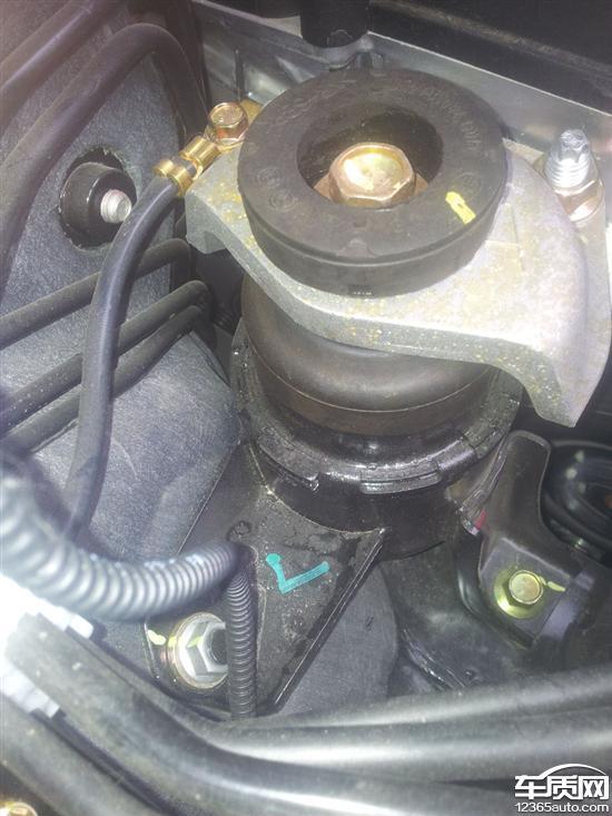 一汽奔腾x80发动机共振方向盘抖动