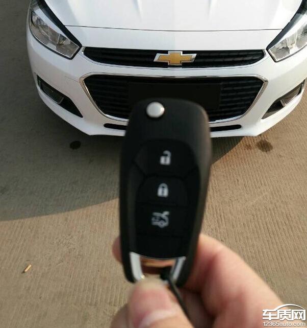 雪佛兰新科鲁兹车钥匙配置不同高清图片