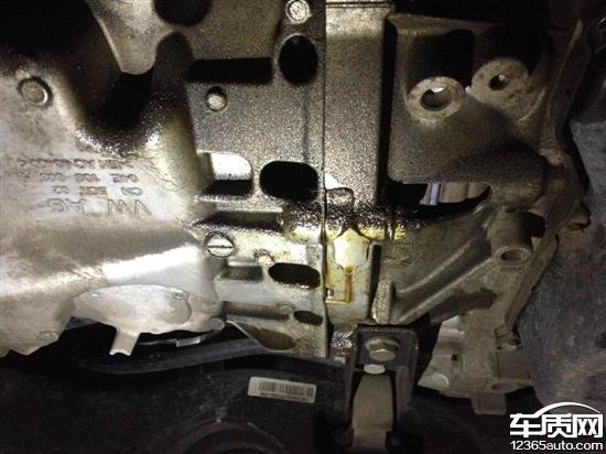 上海公共桑塔纳动员机曲轴后油封漏油