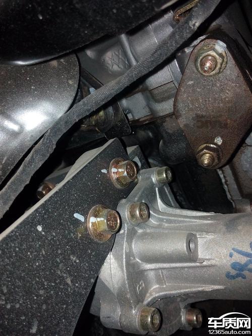昌河福瑞达发动机漏油渗油严重 高清图片