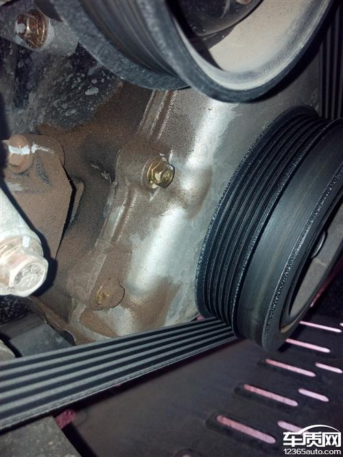 昌河福瑞达发动机M50漏油渗油严重高清图片
