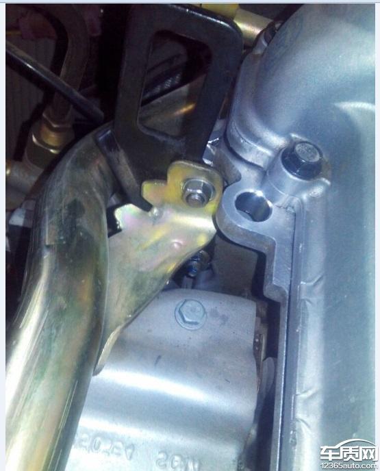上汽通用五菱宏光s发动机漏机油