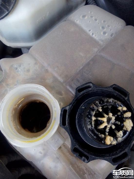 雪佛兰科鲁兹防冻液里面混入机油