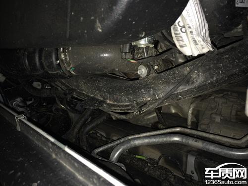 长安福特蒙迪欧发动机舱没有排水管高清图片