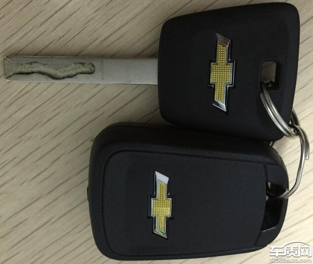 雪佛兰新科鲁兹分体钥匙设计不合理高清图片