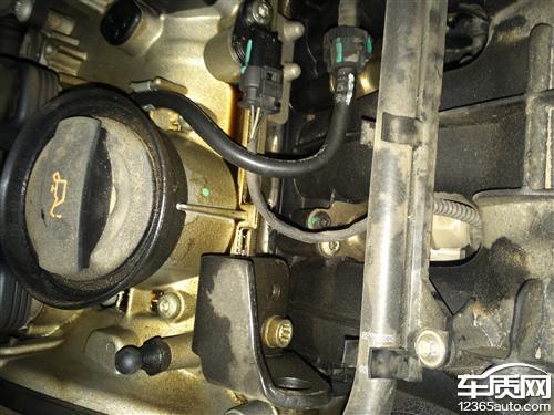 一汽大众迈腾水泵崩裂和漏机油