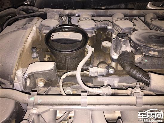 一汽大众迈腾发动机漏油机油报警