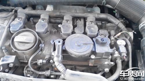 一汽大众迈腾发动机泄露机油
