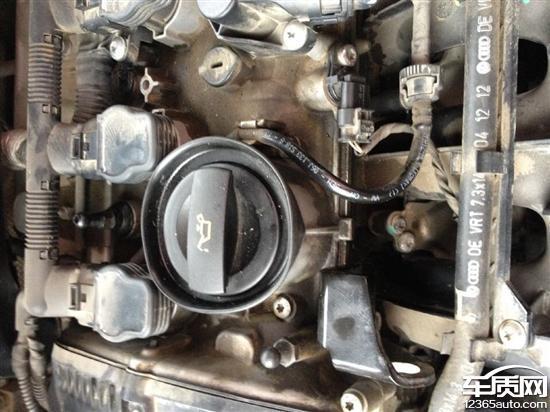 上海大众帕萨特发动机严重漏油
