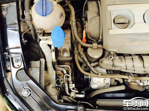上海大众帕萨特发动机漏油