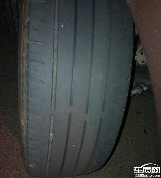 东风标致2008更换助力系统后轮胎磨损高清图片
