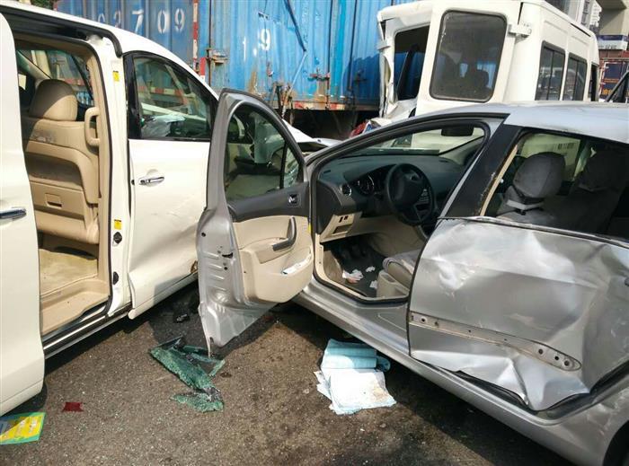 严重车祸,标致408安全气囊未起爆高清图片